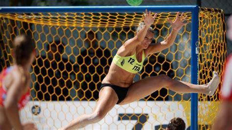 Italien gehörte von beginn an zu den großen fußballnationen auf dem europäischen kontinent. Beach Handball: Italien spielt am Samstag um Platz neun ...