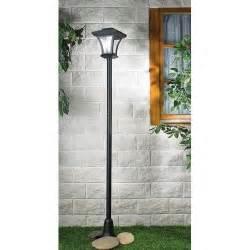 Le Led Exterieur Solaire by Ladaire Ext 233 Rieur Design Pour Illuminer Son Jardin