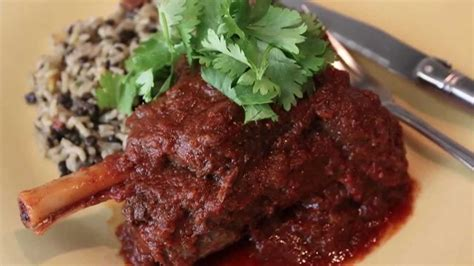 lamb shank vindaloo spicy indian style lamb curry recipe