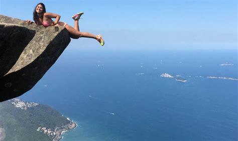 Crazy Couple Hang 3000ft Off Cliff In Rio De Janeiro