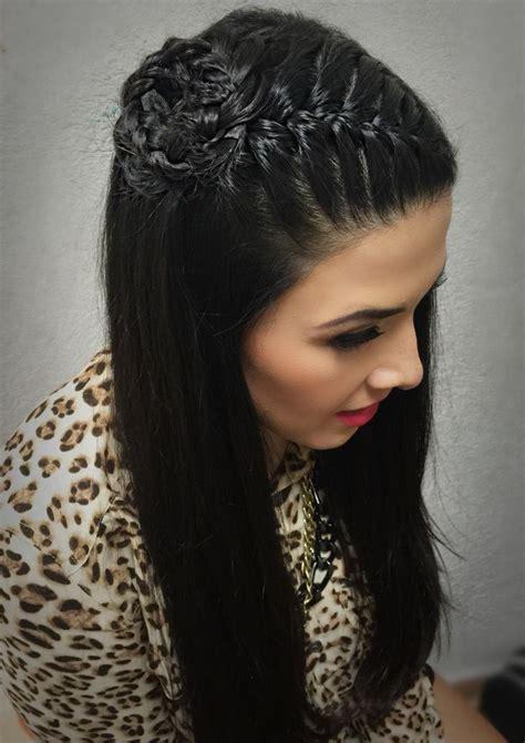 peinados de trenzas de lado  cabello suelto montilla