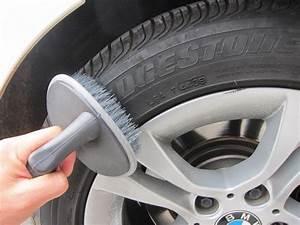 Comment Bien Nettoyer Sa Voiture : nettoyer sa voiture pour pas un centime 1001pneus le blog ~ Melissatoandfro.com Idées de Décoration