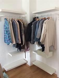 Kleiderschrank Für Kleine Räume : die besten 25 offener kleiderschrank ideen auf pinterest offener kleiderschrank pinterest ~ Bigdaddyawards.com Haus und Dekorationen