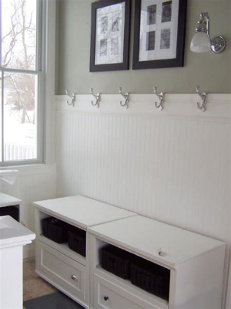 Installing Wainscoting by Installing Wainscoting Corner Paristriptips Design