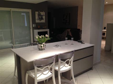 cr馥r un ilot central cuisine ilot de cuisine avec table amovible maison design bahbe com