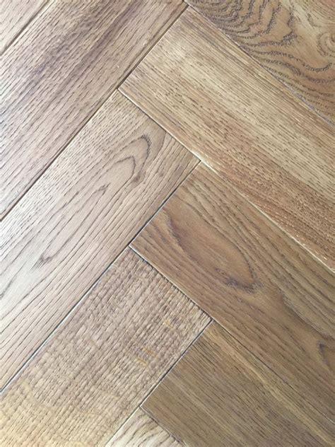 fashionable waterproof scratch proof hardwood flooring