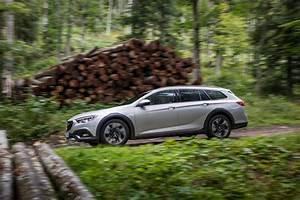 Opel Niort : destination aventure le haut de gamme opel en version tout chemin opel niort ~ Gottalentnigeria.com Avis de Voitures