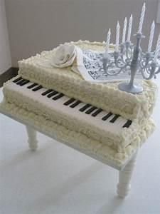 Chanel Torte Bestellen : o piano de cauda branco bolos e doces 3 pinterest white piano piano and piano cakes ~ Frokenaadalensverden.com Haus und Dekorationen