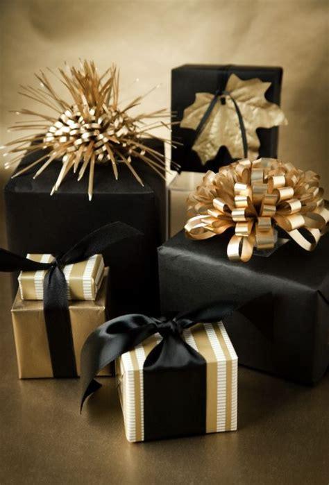 super elegant black  gold christmas decor ideas