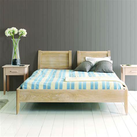 chambre en chene massif chambre adulte en bois massif lit quadro lit 2 places