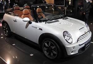 Mini Cooper Cabrio : best 25 mini cabrio ideas on pinterest mini coopers mini cooper convertible and mini cooper ~ Maxctalentgroup.com Avis de Voitures