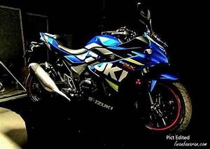 This is the new Suzuki GSX 250R (Suzuki Gixxer 250) posing ...