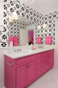 Papier Peint Salle De Bain : sublimez vos int rieurs en mettant un papier peint blanc ~ Dailycaller-alerts.com Idées de Décoration