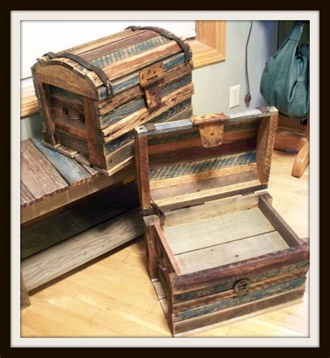 barn wood treasure chest diy projects   barn wood