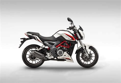 Benelli Tnt 15 Photo by Dsk Benelli Tnt 25 Coming By Diwali 15 Shifting Gears