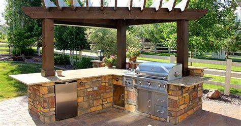 amazing outdoor kitchen ideas  enjoyable cooking time