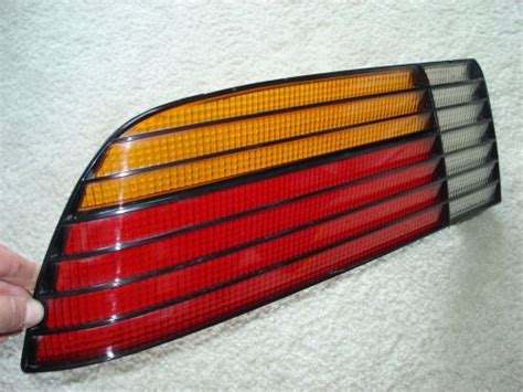 sell pontiac fiero gt   tail light lense oem