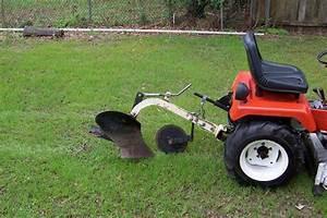 Michael39s tractors simplicity and allis chalmers garden for Garden tractor plow
