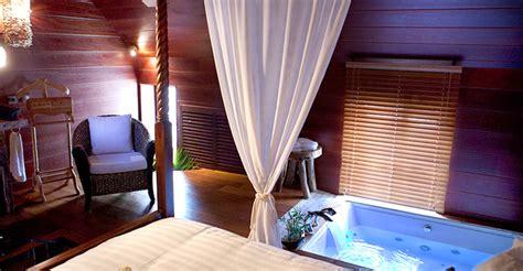 hotel avec chambre a theme l indonesienne chambre avec