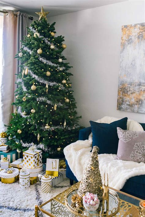 10 Easy Ways To Decorate Your House For The Holidays