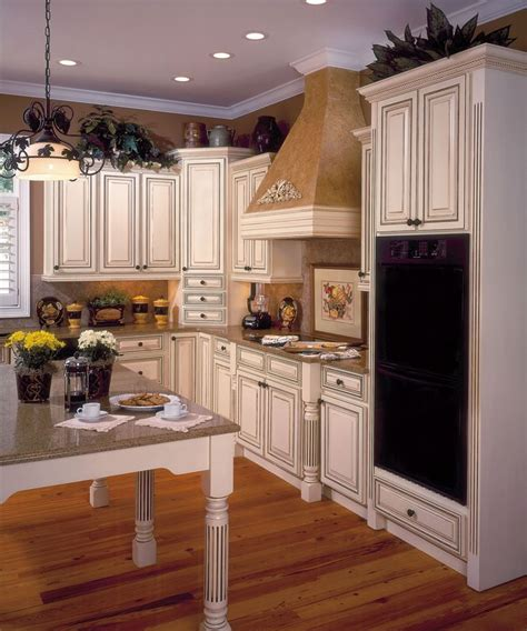 coventry kitchen cabinets 12 best images about wellborn forest on beans