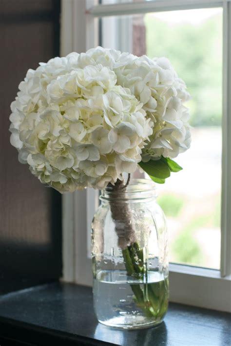 white hydrangea wedding flowers joymichellephotography