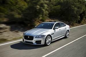 Essai Jaguar Xf : essai jaguar xf 2015 le test de la version diesel de 180 ch l 39 argus ~ Maxctalentgroup.com Avis de Voitures