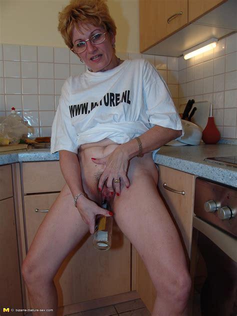 archive of old women bizarre mature bottle masturbation luisa