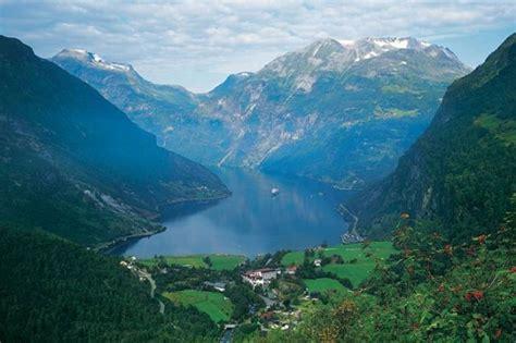 top  beautiful mountains   world