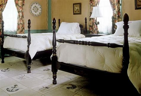 sleeping  separate beds   good  marriage ny