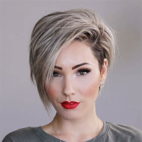 Discover trending short hairstyles for women over 40, 50, and 60 and for women with thick, thin and curly hair. 10 New Short Hairstyles for Thick Hair 2021