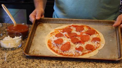easy flour tortilla pizza recipe easy pizza recipe youtube