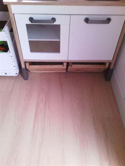 creation de cuisine création de tiroirs de rangement sous mini cuisine duktig