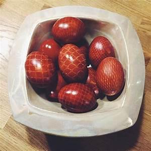 Eier Färben Mit Naturmaterialien : eierf rben zwiebelschale kartoffelnetz diy magichnicht ostereier by rotor auch gut ~ Frokenaadalensverden.com Haus und Dekorationen