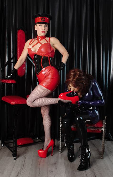madame   twitter  rubber toys maids  sissy gurls  submit  femdom tgirl