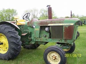 Different Coloured Junk  John Deere 3010 Standard Gas