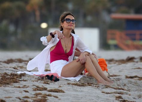 Giada De Laurentiis In Swimsuit On The Beach In Miami 02