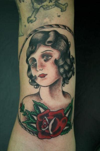arm  school women tattoo  amor de madre