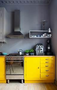 Graue Küche Welche Wandfarbe : bunte k che welche vorteile hat eine bunte k chengestaltung ~ Markanthonyermac.com Haus und Dekorationen