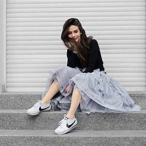 How To Wear Tulle Skirts In Comfy Edgy Outfits?