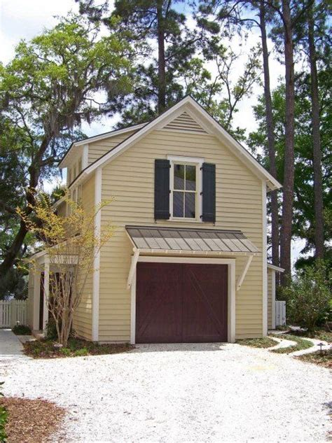 car garage   potting shed  upstairs apartment cottage house exterior