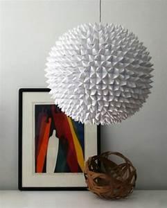 Suspension Boule Blanche : la boule chinoise est un joli et original moyen de d coration ~ Teatrodelosmanantiales.com Idées de Décoration