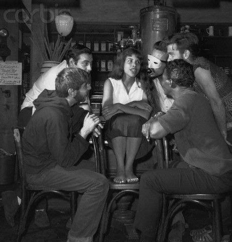 """And gaslight was on the way. """"Beatniks"""" in Gaslight Coffee House, NYC, 1959   Erich von stroheim, Photographie, Mode de vie"""