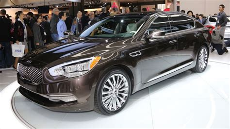 Kia Proves That Luxury Cars Can't Have Real Names To Sell