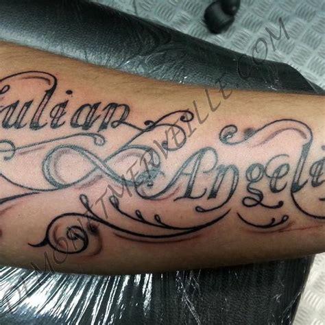 tatouage  prenom avant bras homme idees de tatouages