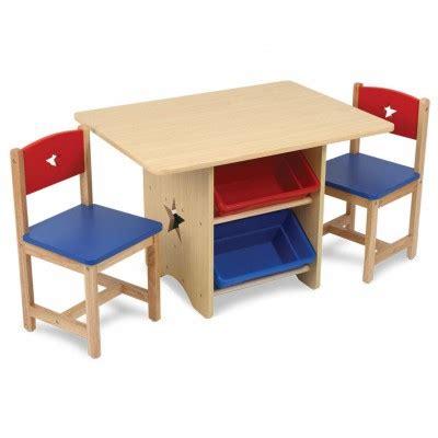 table avec 4 bacs de rangement et deux chaises pour enfant
