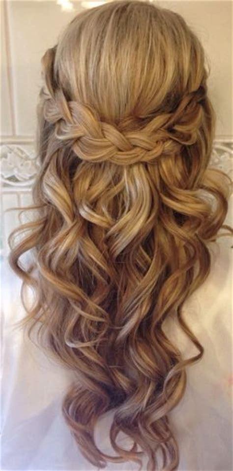 Best 25  Wedding hairstyles ideas on Pinterest   Wedding