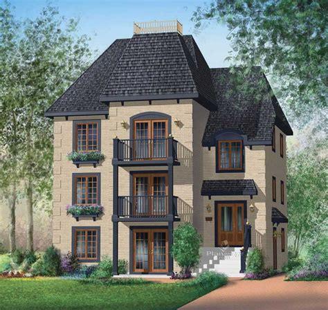 multi level house plan    bedrm  sq ft