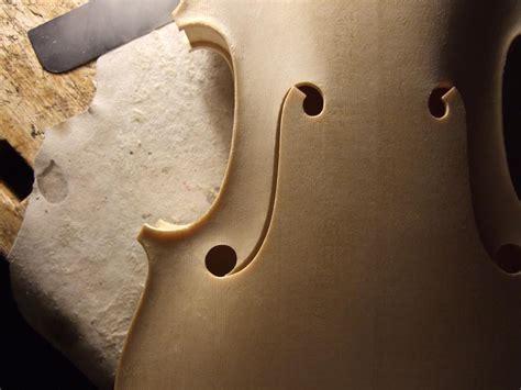 hardanger fiddle fholes