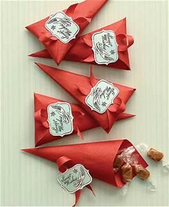 Souvenirs para cumpleaños conos llenos de caramelos